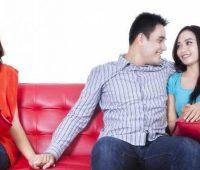 Муж любит другую, а живет со мной! Советы психолога, 5 этапов решения проблемы фото